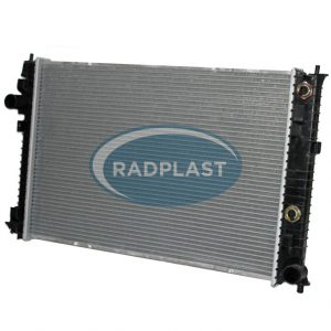 Radiador de carro Ford modelo Fusion 2.3 / 3.0 V6